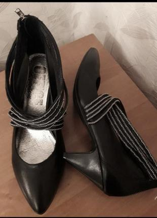 Сьильные туфли оригинального дизайна, 41-41,5, мягкая натуральная кожа, office london