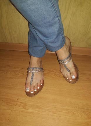 Красивые сандалии/натуральная кожа