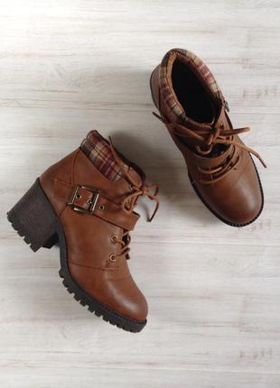 Ботинки на шнуровке new look 38 р 24,5 см на тракторной подошве рыжие сапоги