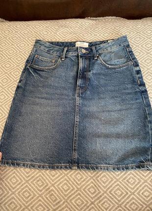Юбка colin's. размер 36. очень плотный джинс.
