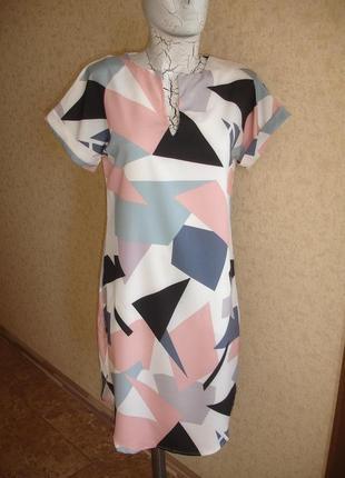 Фирменное легкое платье на 44-46 размер геометрия абстракция идеал