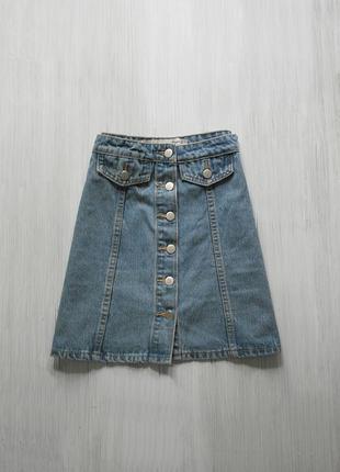 Стильная джинсовая юбка трапеция с пуговками