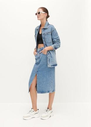 Юбка джинсовая по колено с разрезом