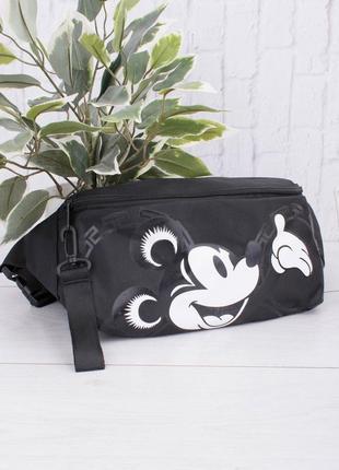 Черная сумка-бананка с принтом