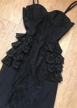 Платье чёрное сексуальные с кружевом с рюшами корсет