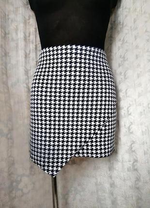 Модная юбка мини из плотного трикотажа в принт гусиная лапка missguided