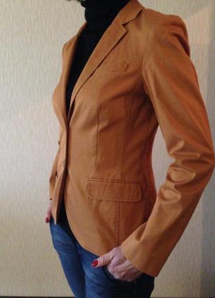 Крутой яркий пиджак на подкладке и много брендовых вещей дешево!
