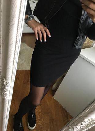 Базовая черная мини юбка