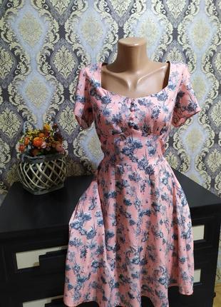 Красивое платье,вискоза
