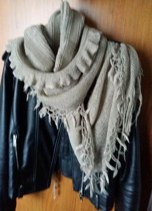 Шарф-платок zara в идеальном состоянии