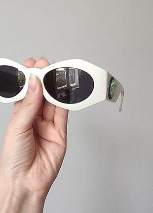 Винтажные солнцезащитные очки versace винтаж 80-ые года