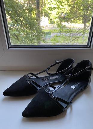 Стильные базовые туфли/босоножки