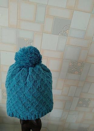 Акриловая шапка.