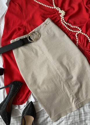Женская юбка карандаш цвет бежевый