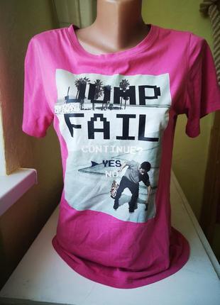 Яркая  женская футболка, базовая футболка