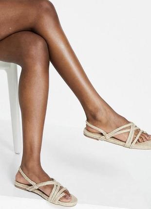 Плетёные летние сандали