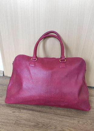 Красня бордовая  вместительная дорожная сумка estee lauder