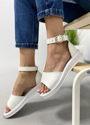 Босоножки сандали боссоножки черные 947 на высокой подошве натуральная кожа белые