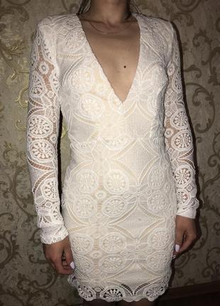 Красивое белое кружевное платье р. 8