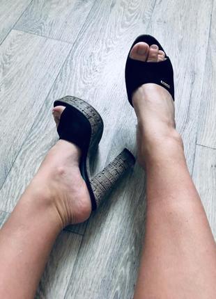 Босоножки шлепанцы пробки туфли zara basconi