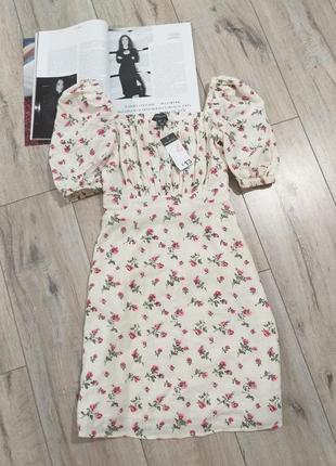 Цветочное платье мини в цветочный принт с объёмными рукавами фонариками буфами