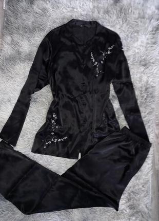 Шикарная атласная пижама с вышивкой 🖤