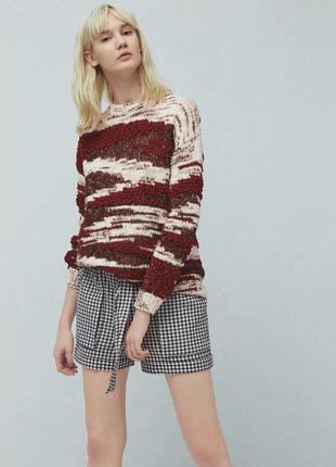 Комбинированный свитер от mango.