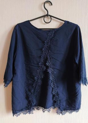 Натуральная блуза с кружевом и интересной спинкой