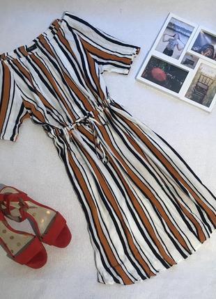 Платье из жатой ткани в полоску