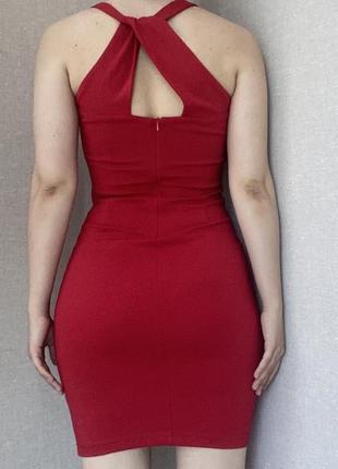Шикарное красное облегающее платье