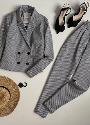 Новый шикарный костюм в клетку двубортный пиджак + брюки