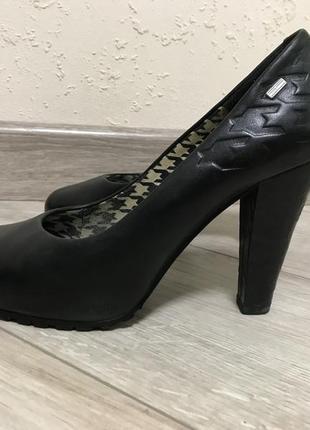 Туфли кожа 38 как новые