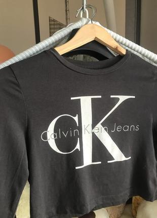 Кроп топ футболка calvin klein