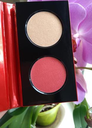 Палетка румяна и хайлайтер magical holiday blush & highlighter palette kiko milano