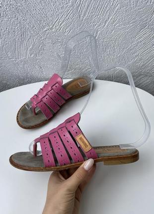 Кожаные тапочки momino