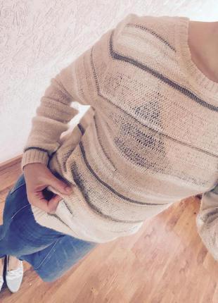 Актуальный вязанный свитер пудра от mango. размер m.