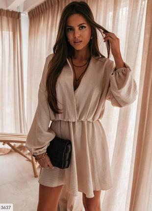 Женское летнее лёгкое короткое платье с глубоким декольте