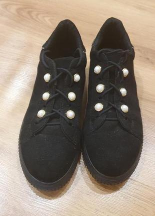 Стильные кроссовки- кеды