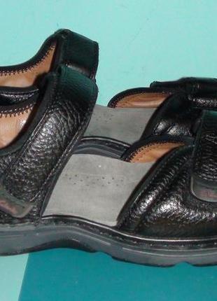 Clarks - кожаные босоножки, сандалии