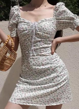 Платье в цветочный принт/миниплатье/платье с квадратным вырезом/белое платье/сарафан/корейский стиль