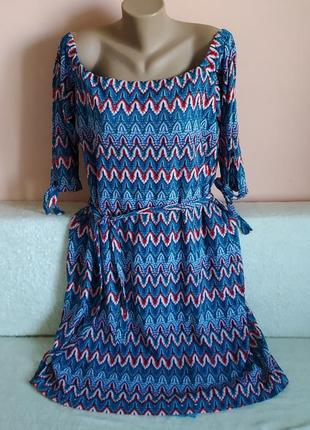 Як нове,не носили!класне якісне плаття з поясом,вказано р.18.