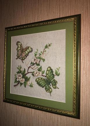 Картина вышитая бабочки ручная работа