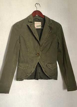 Стильный жакет пиджак  хаки