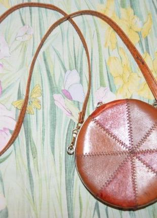 Кожаная круглая сумочка италия