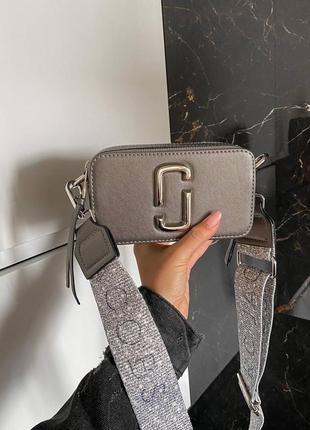 Женская сумка в стиле marc jacobs snapshot silver mini.2 фото