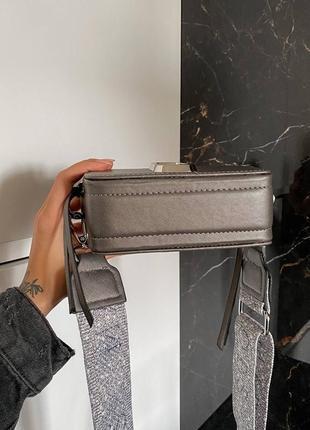 Женская сумка в стиле marc jacobs snapshot silver mini.6 фото