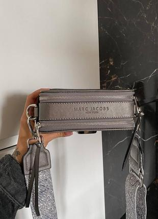 Женская сумка в стиле marc jacobs snapshot silver mini.4 фото