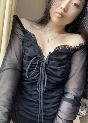 Чёрный боди сетка длинный рукав спущенные плечи с вырезом
