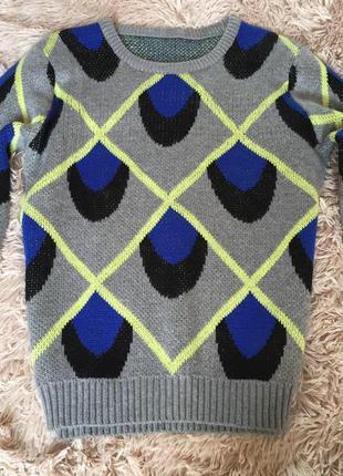 Яркий тёплый свитер