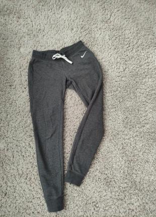 Продам спортивные штаны nike женские
